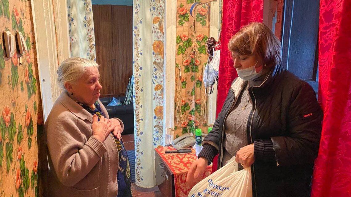 Активисты Куйбышевского района города Донецка посетили бывших узников фашистских концлагерей