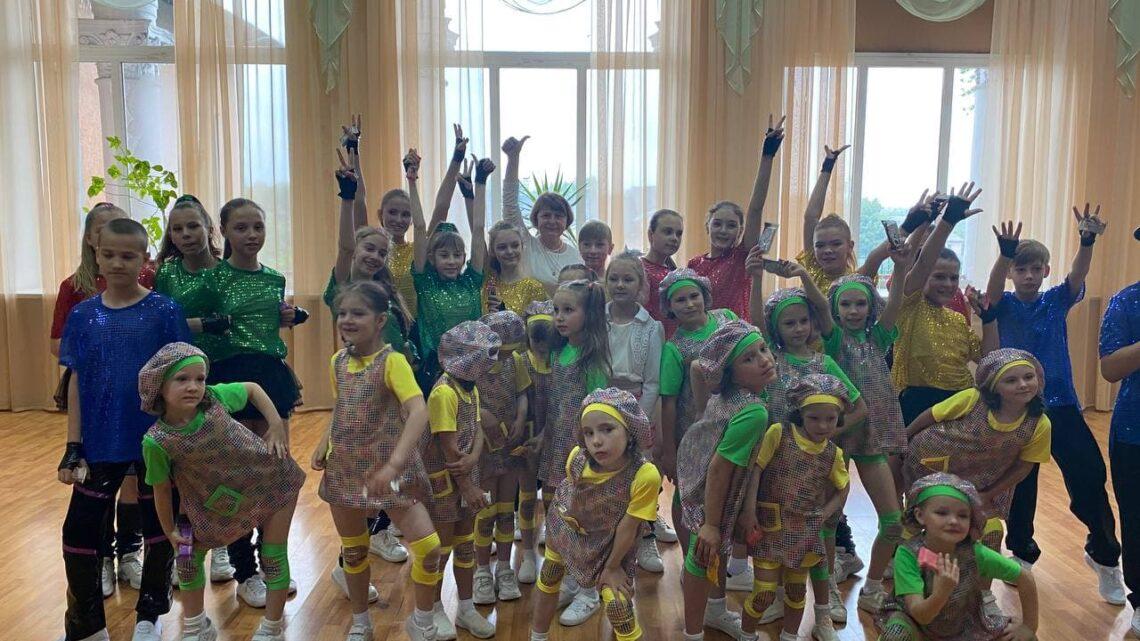 Сегодня, в международный День защиты детей в ДК им. Т.Г. Шевченко прошла концертно-развлекательная программа «Наши дети – лучше всех на свете».
